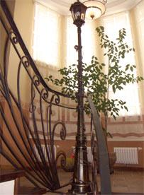 ограждение лестницы кованое